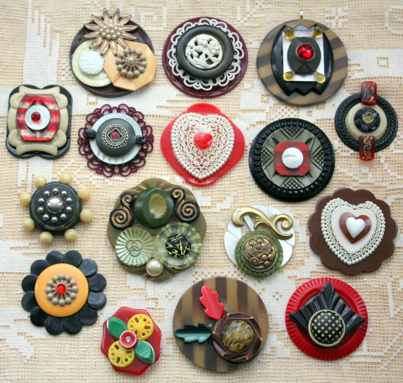 Collage jewelry using old buttons mitzi curi 39 s way for Buttons with shanks for jewelry