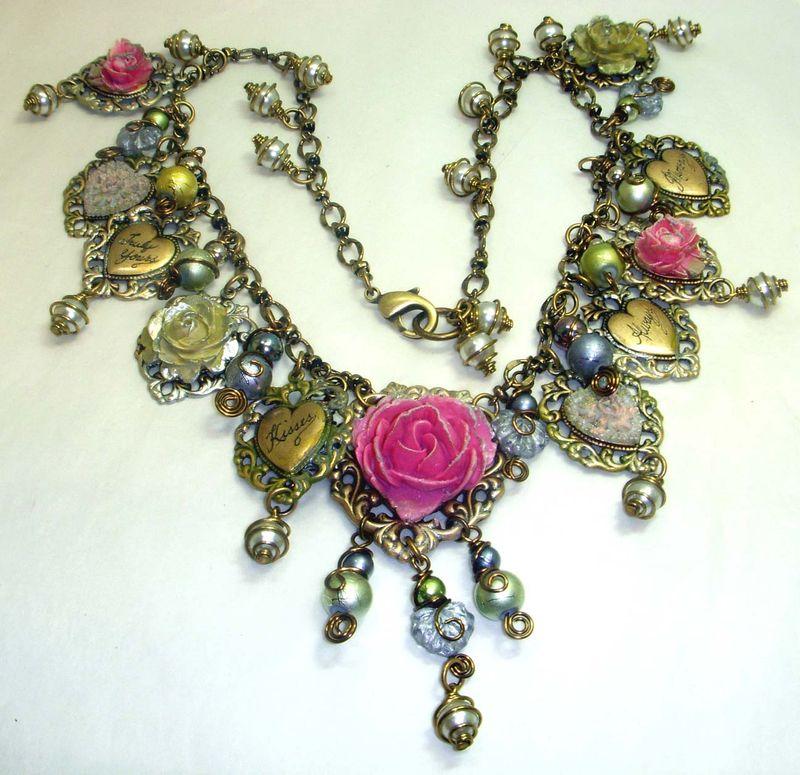 Hearts neck 001